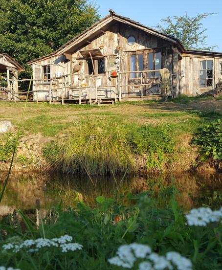 Cabane du pêcheur extérieur étang