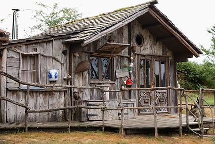 Cabane du pêcheur La Ferme Histoires Melangees cabane bois insolite confort nature cabanes perchees Sexcles Correze France