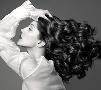 Для придания волосам густоты и плотности