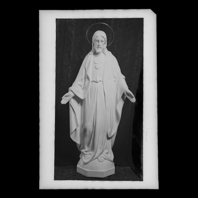Sagrado Corazón en mármol - Duque de Maura