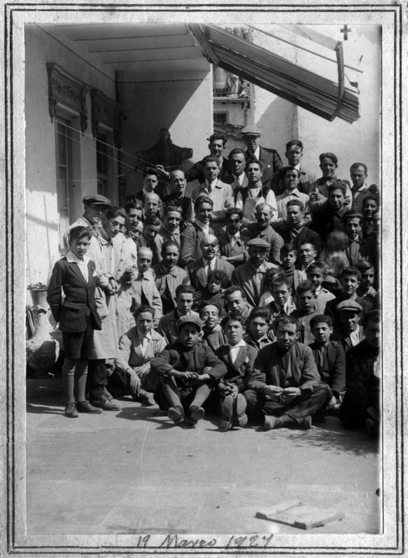 Los operarios del taller en 1924