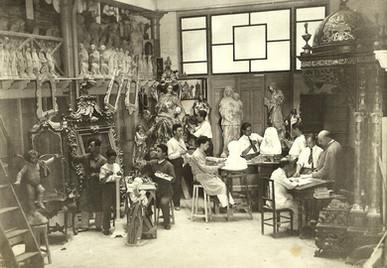 El taller de Navas Parejo en la calle Álvaro de Bazán, año 1930.