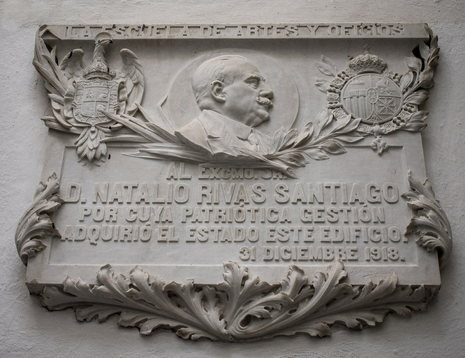 Lápida conmemorativa al ex ministro don Natalio Rivas, 1918