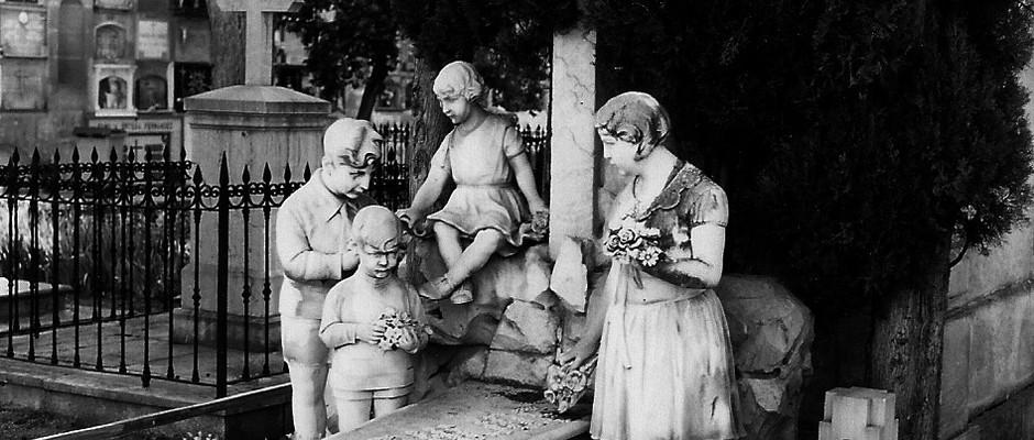 Panteón de la Familia Montes Escobar, 1928