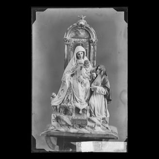 Virgen de las Mercedes con la Superiora de la Orden