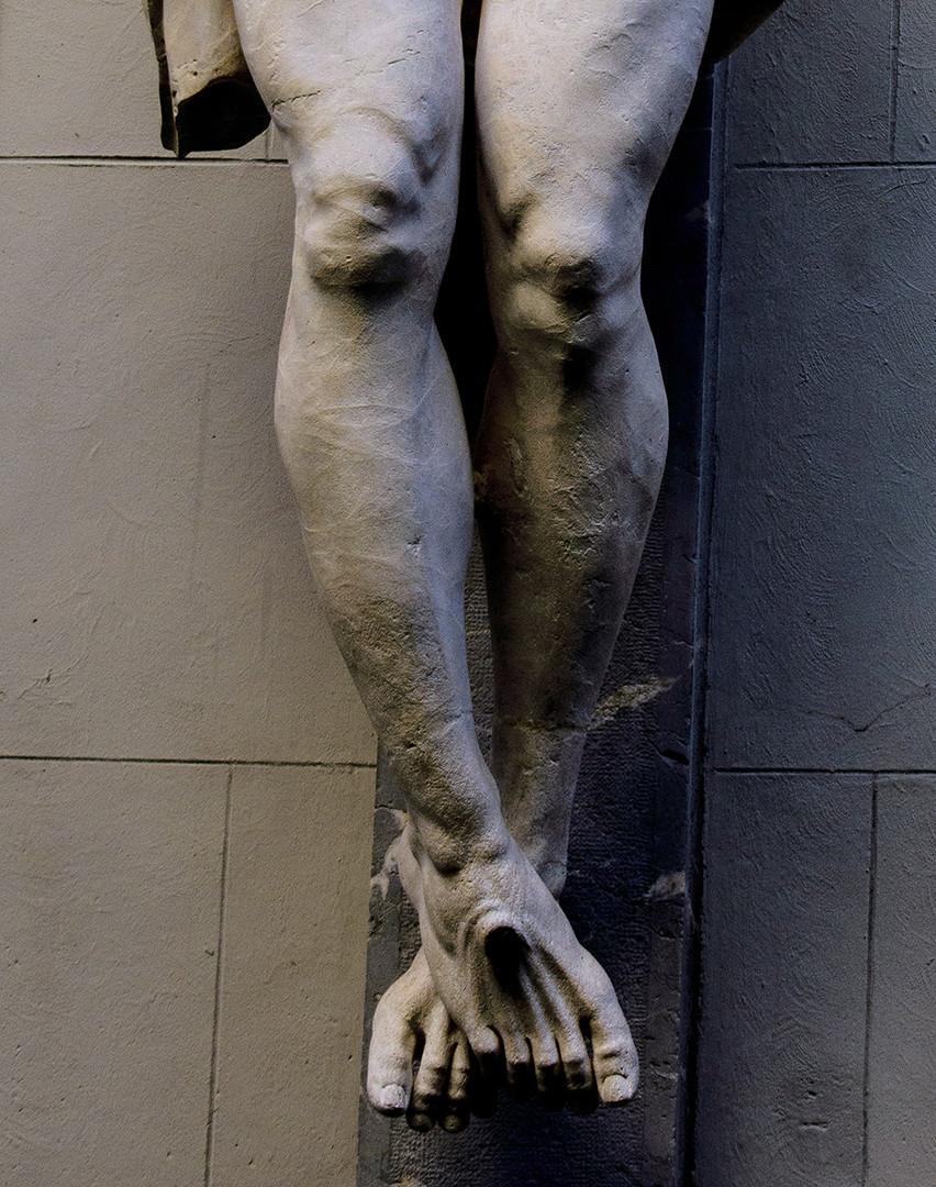detalle de las piernas del Cristo de las Angustias