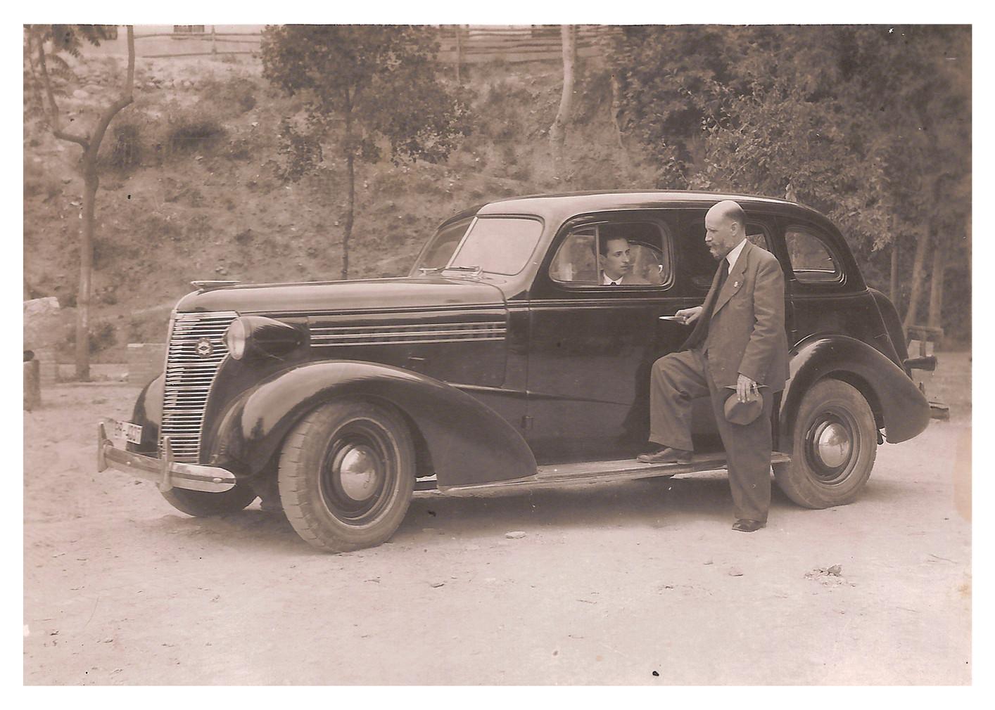 Padre e hijo en el nuevo Chrysler