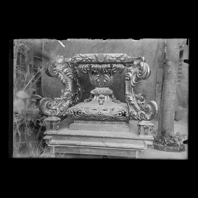 Parte baja del trono de la Victoria de Málaga