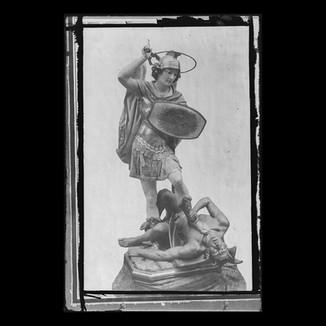 San Miguel sobre demonio