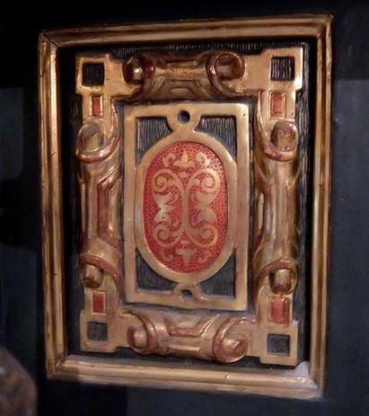 detalle del retablo de María Inmaculada de la Medalla Milagrosa