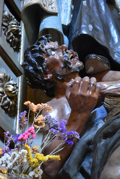 Detalle de herejía de la escultura de San Agustín de Navas Parejo