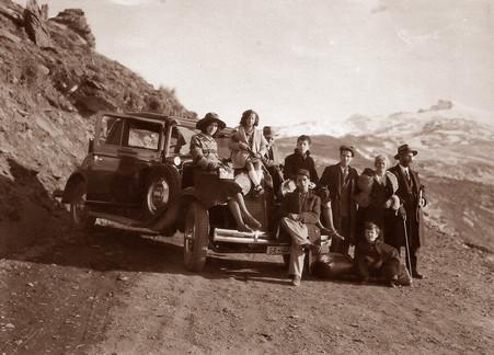 La familia Navas Parejo en la carretera de Sierra Nevada