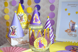 колпаки и корона