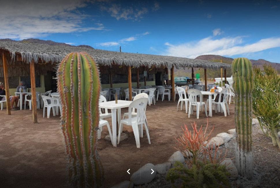 the clam shack, vista al mar, outdoor seating, loreto, restaurant