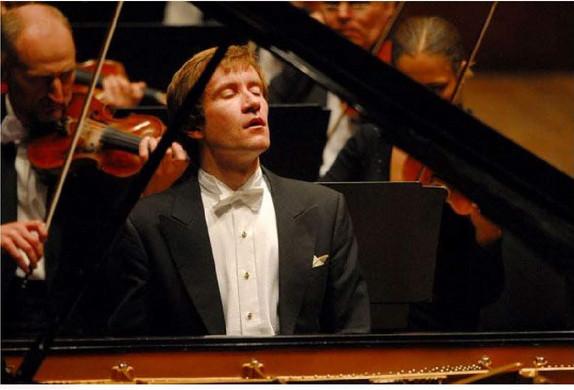 LOUGANSKI-pianist - Mscw.jpg