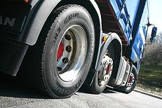 vrachtwagenbanden.jpg