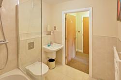Whitby Apartment bathroom