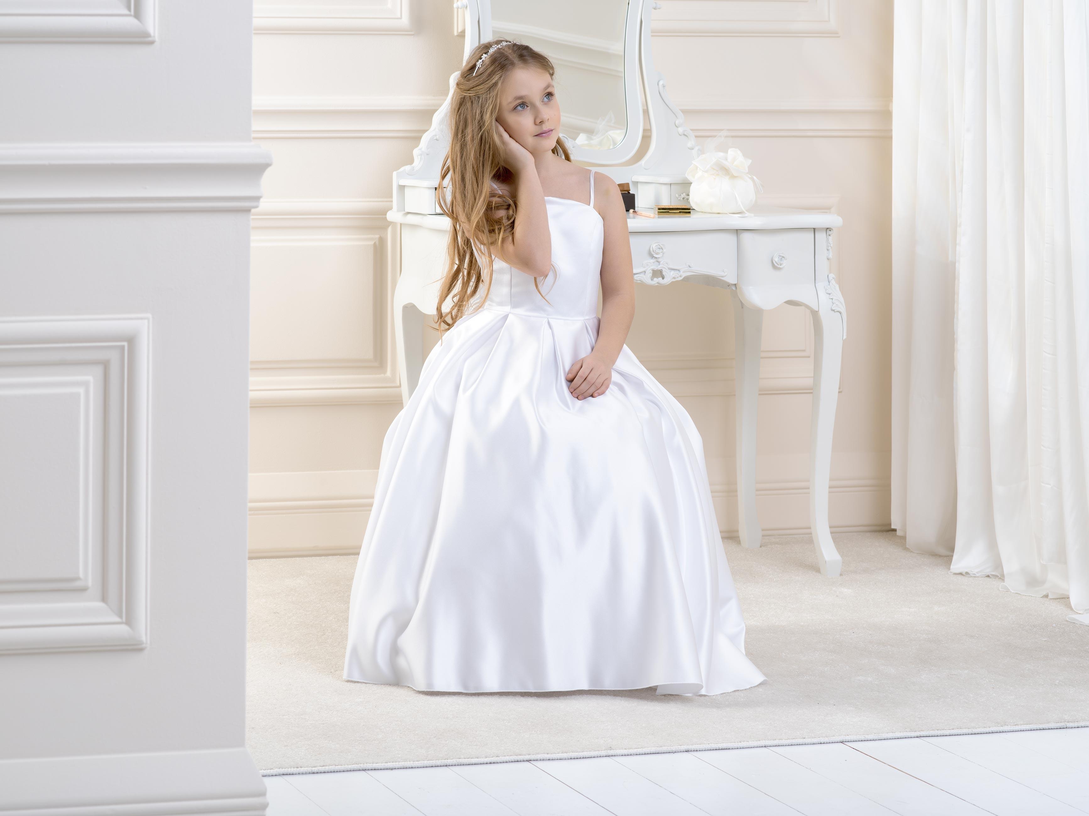 Flower Girl/Communion dress LB09