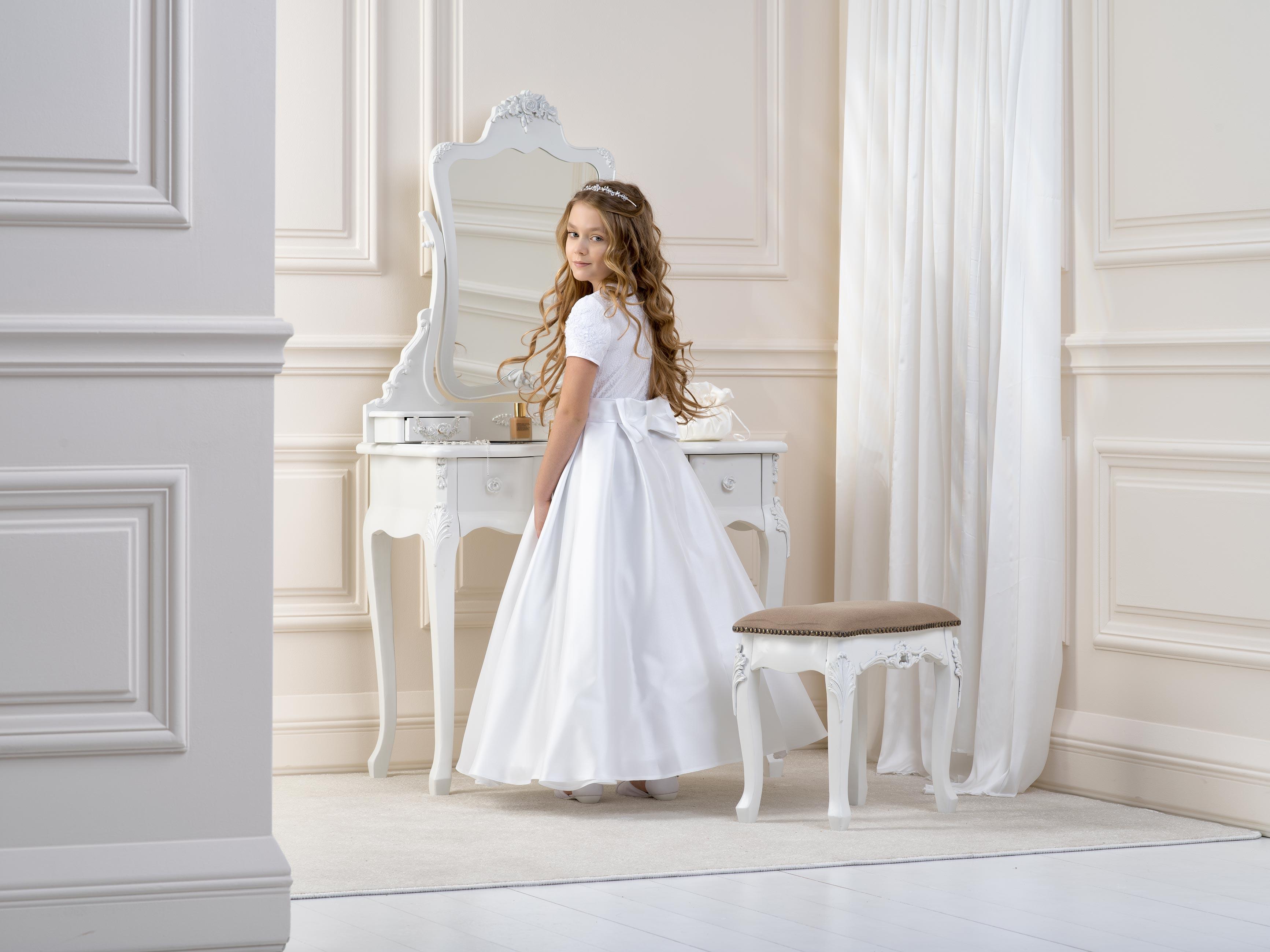 Flower girl/Communion Dress LB15back