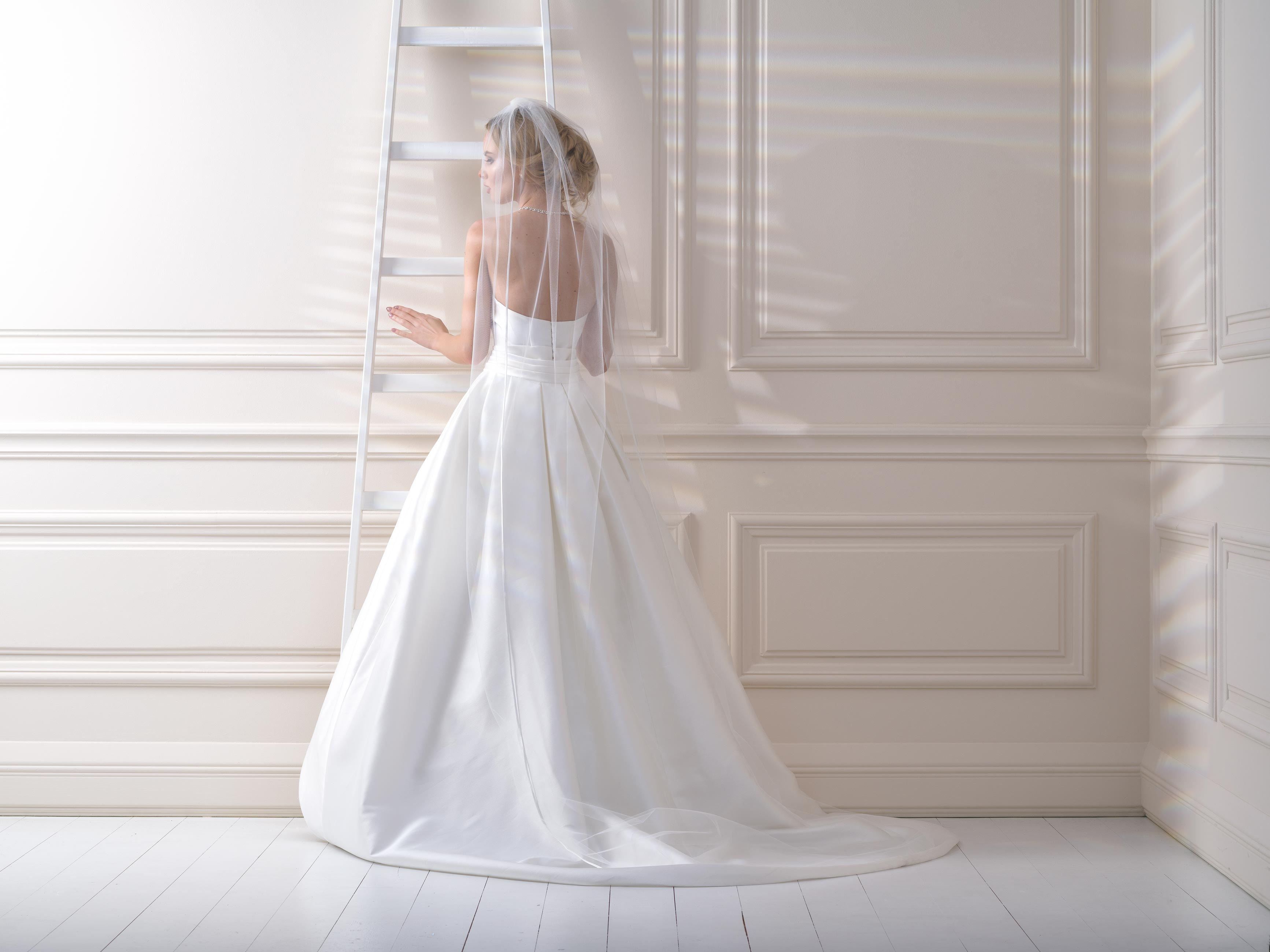 Satin Edge Wedding Veil SV96