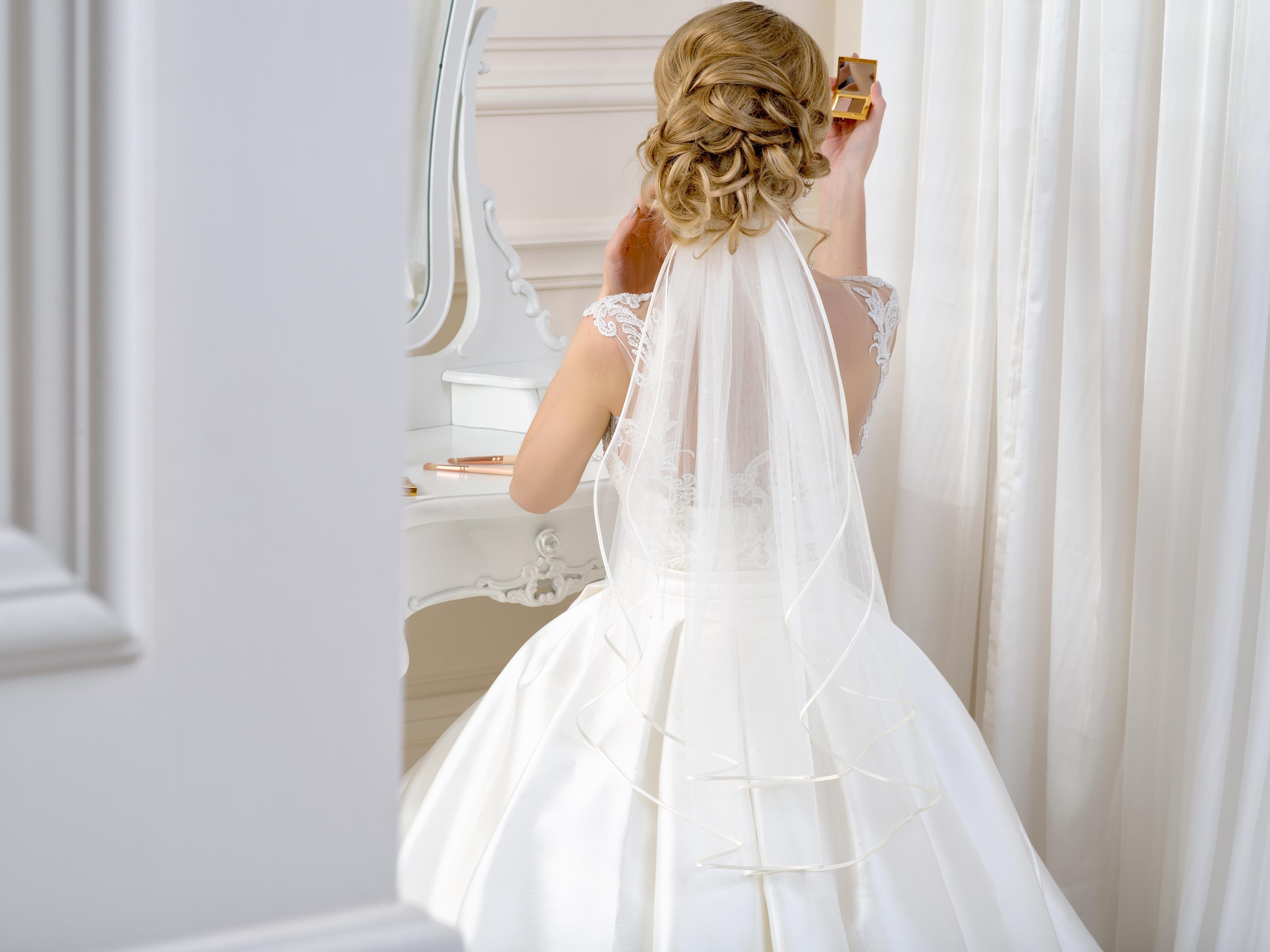 Satin Edge Wedding Veil SV46