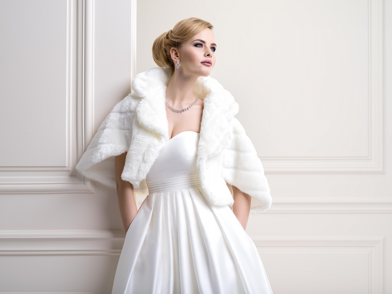 Fur Bridal Jacket FFJ24