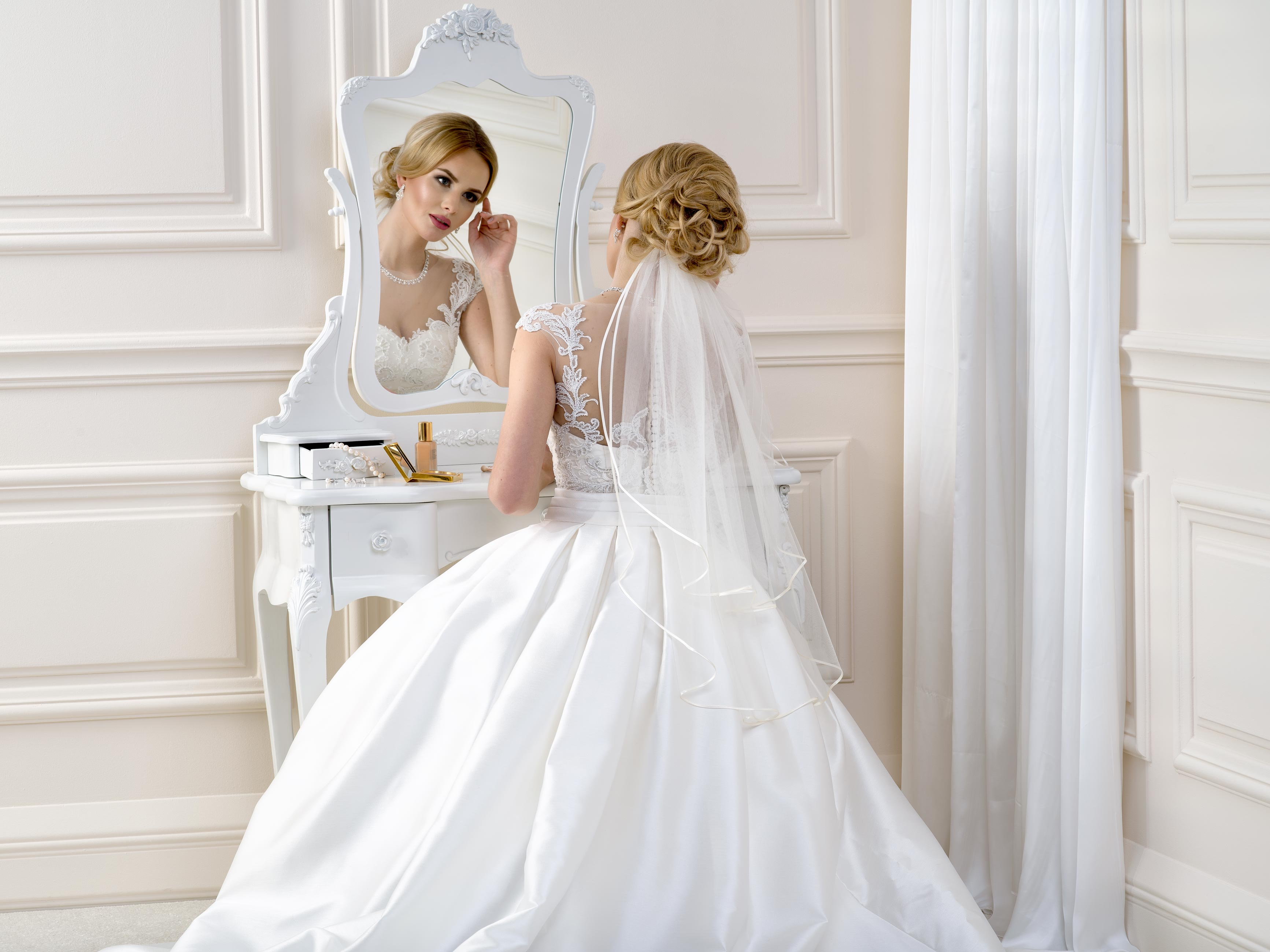 Satin Edge Wedding Veil SV43