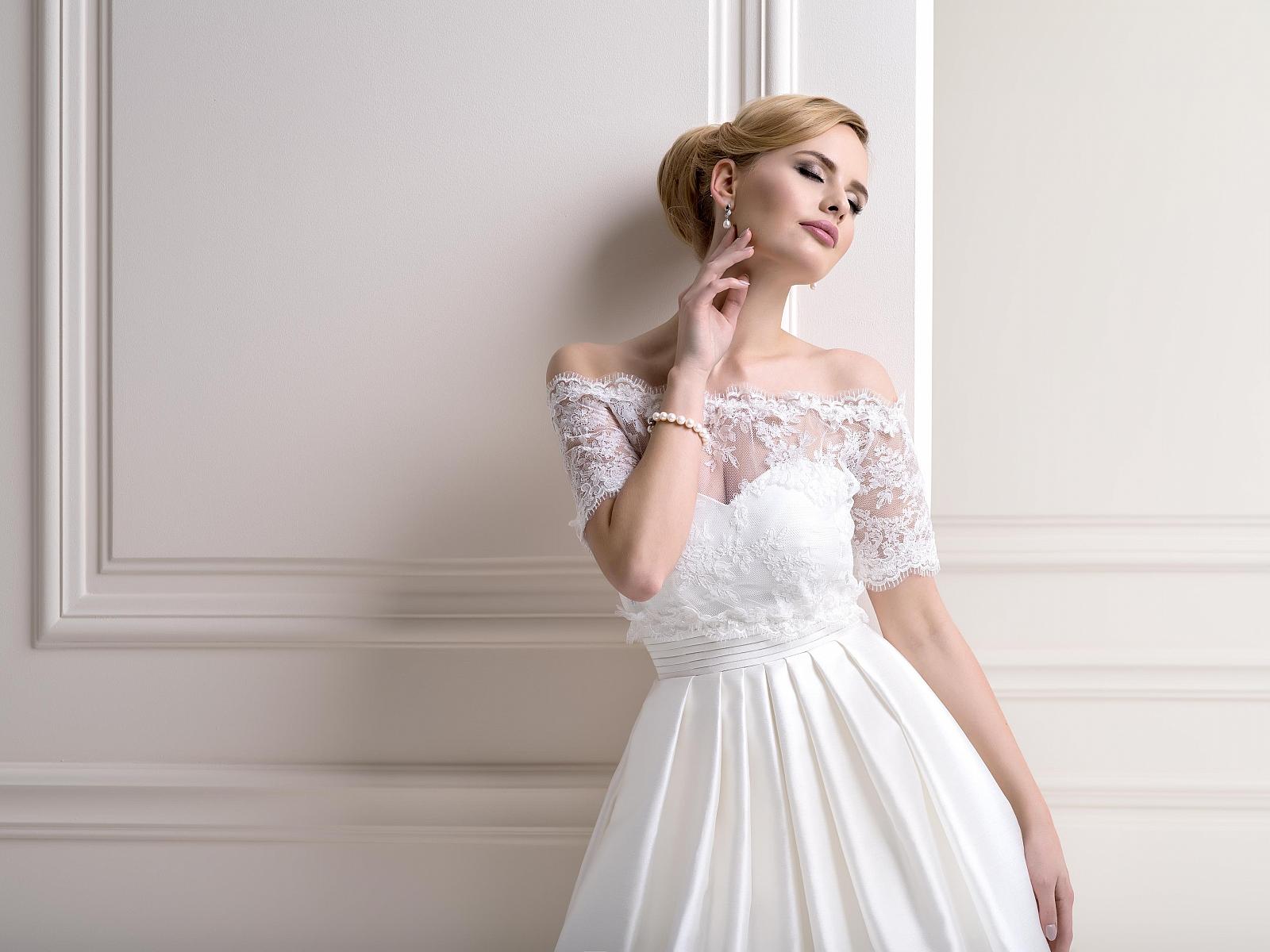 Bridal Jackets LJ83Front