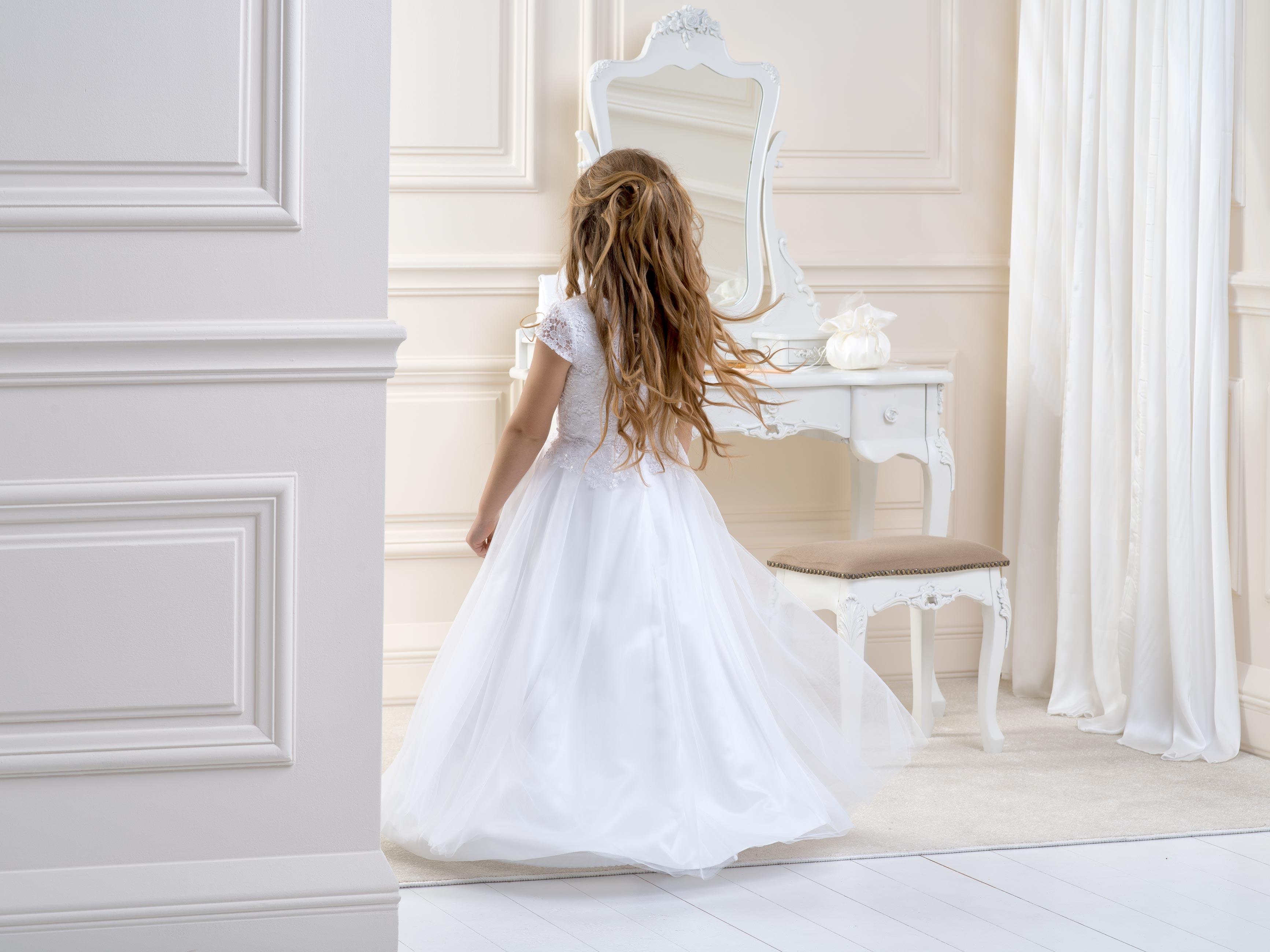 Flower girl/Communion Dress LB21back