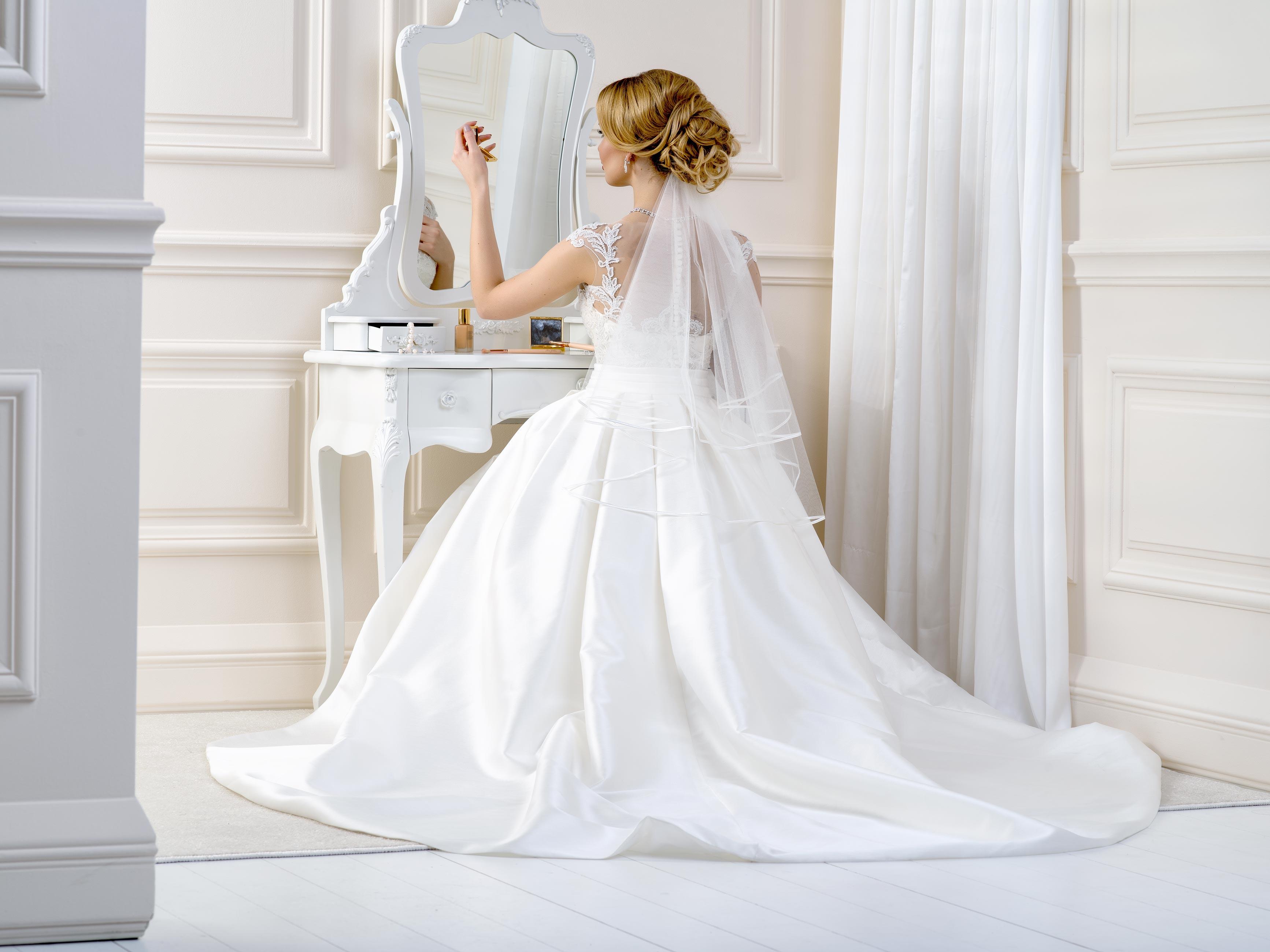 Satin Edge Wedding Veil SV58