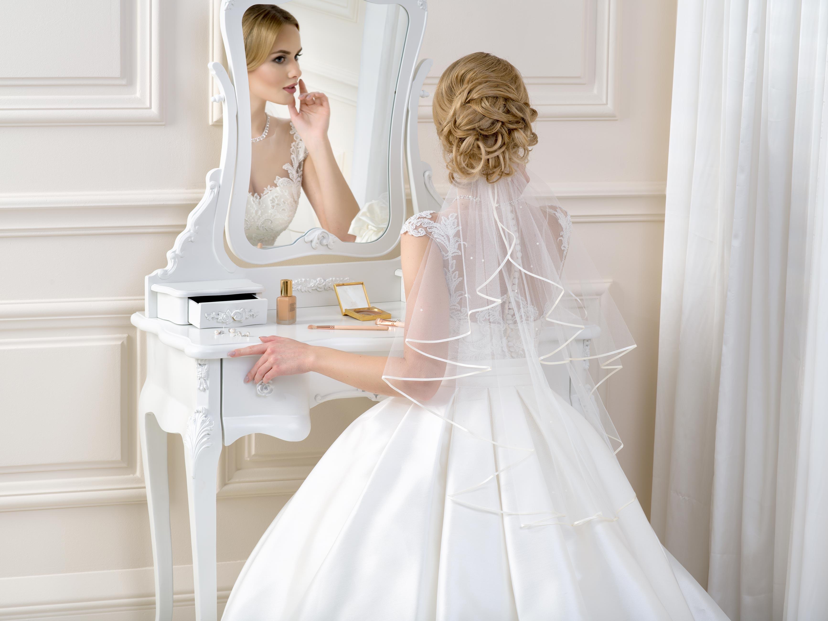 Satin Edge Wedding Veil SV41P