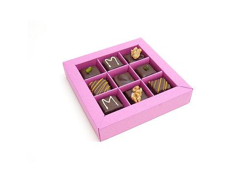 Marzipanpralinen in quadratischer Schachtel