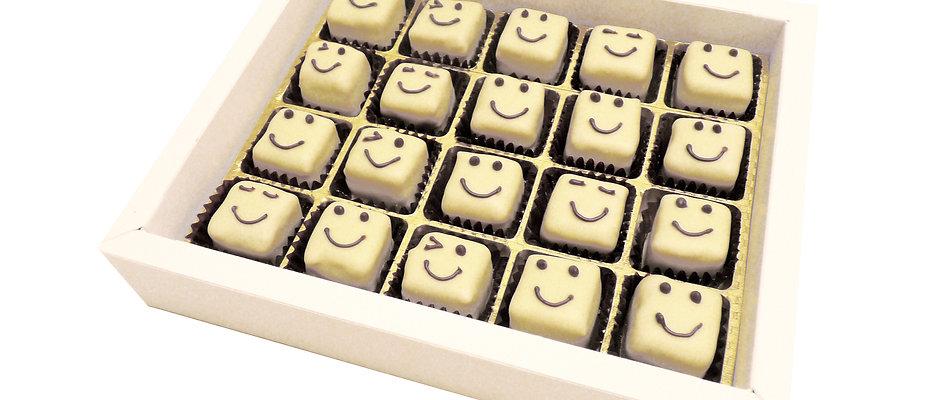 Smiley-Pralinen in weißer Schachtel