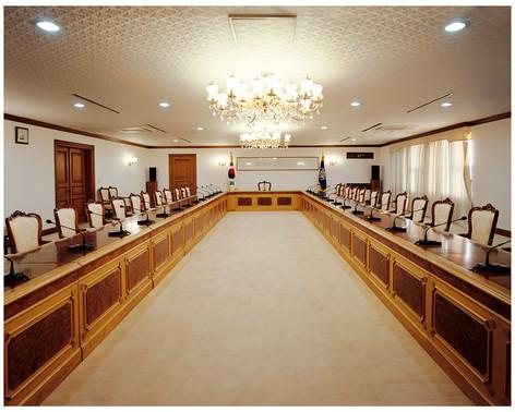 16 정부종합청사 총리대회의실