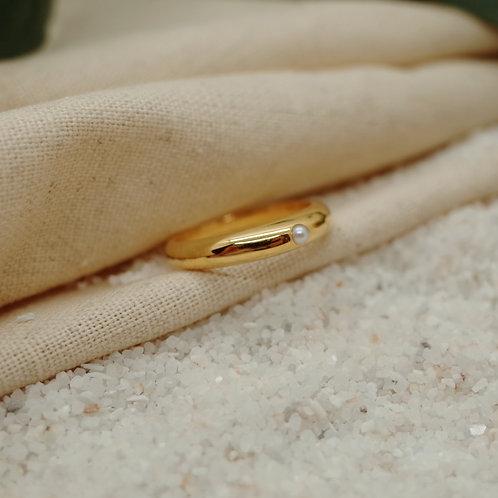 pearl ring W