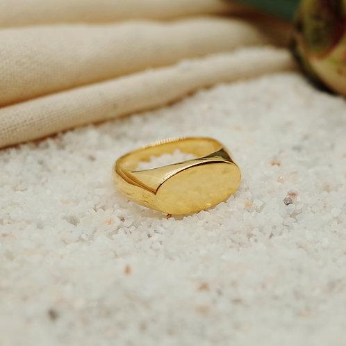 olive signet ring