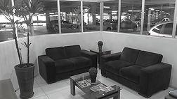 Recepção da oficina confortável e climatizada