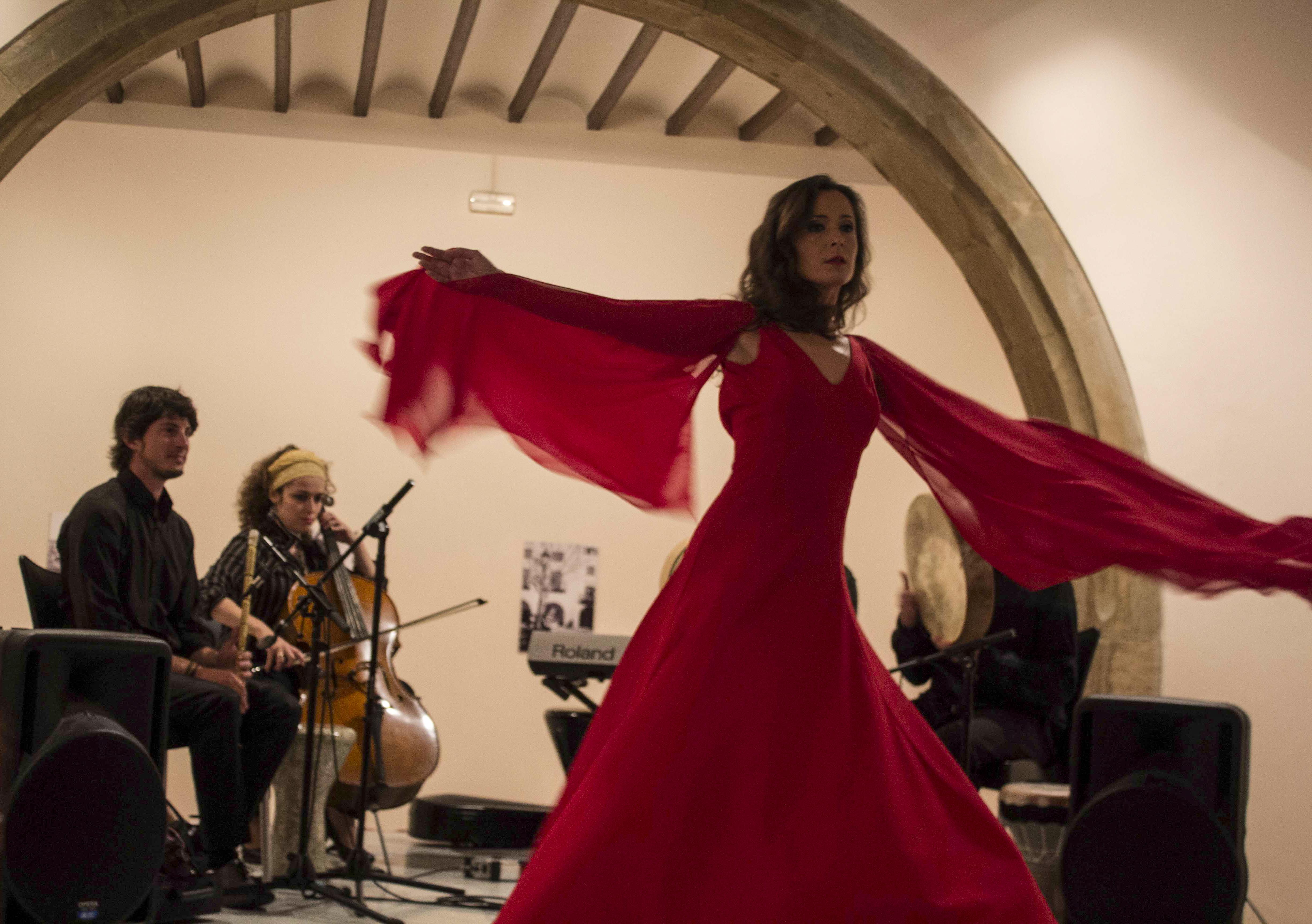 Giro Sufí y Místico con Músicos
