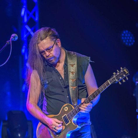 Howie G - playing his favourite guitar, Goldie - Les Paul Gold Bullion