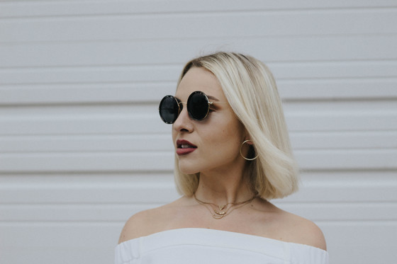 Yin and Yang A timeless Summer Look with Mechaly
