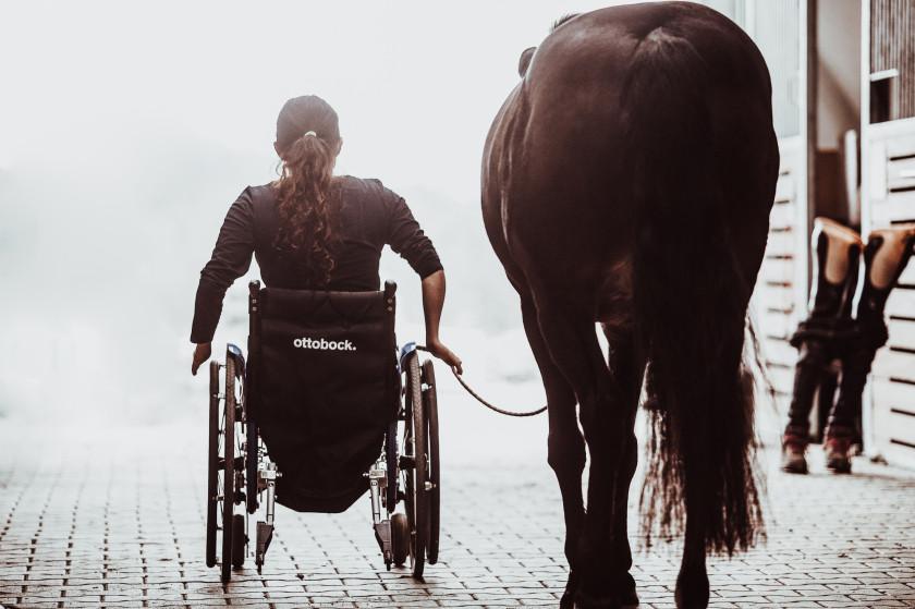 Rollstuhl Paralympics Reiten