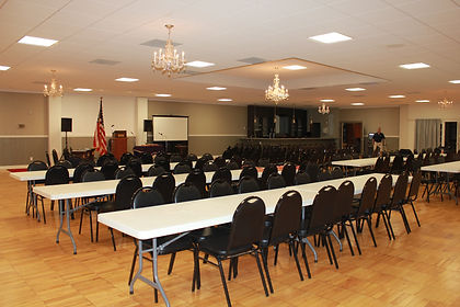 Large presentation room, meeting center, with projection and audio equipment. Good sound quality.