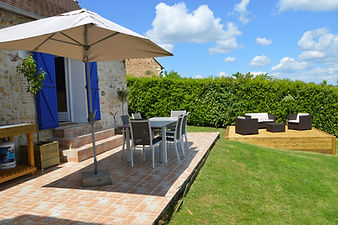 A New Life in the Sun Channel 4 Aux volets bleus chez mark & sylvie cottage gite dordogne