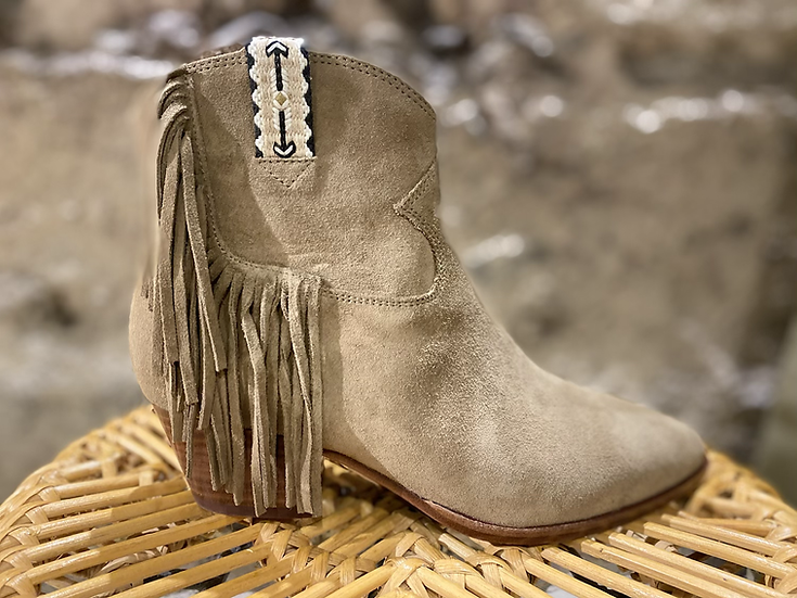 Boots ASH