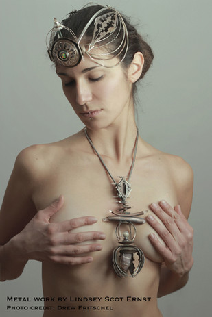 Diana-cover-crown-and-pendant1.jpg