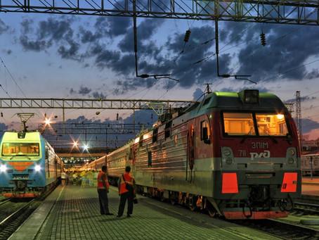 Чем отличается поезд от электрички?