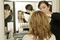Als ausgebildete Visagistin biete ich Ihnen qualifizierte  Beratung und erstelle ein abgestimmtes und typgerechtes Make-Up