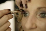 Schminkschulungen für Ihren perfekten Auftritt. Hautanalyse, Behandlungen und Make-Up verhelfen Ihnen zu einem perfekten Erscheinungsbild.