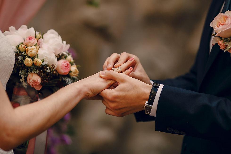 Mariages - Bague au doigt