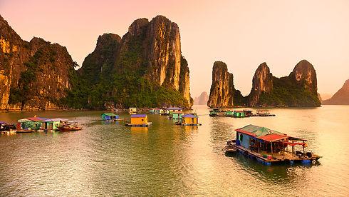 vietnam-ha-long-bay.ngsversion.1412614607489.jpg